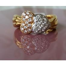 Damenring aus Gold mit Brillanten A2846